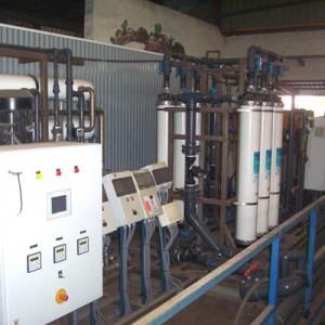 Equipos de control de la planta de recirculación de agua